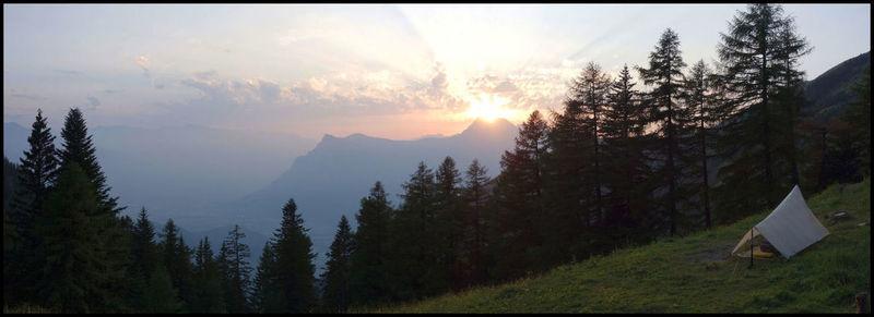 Premier bivouac, premier coucher de soleil… On est pas bien là ?
