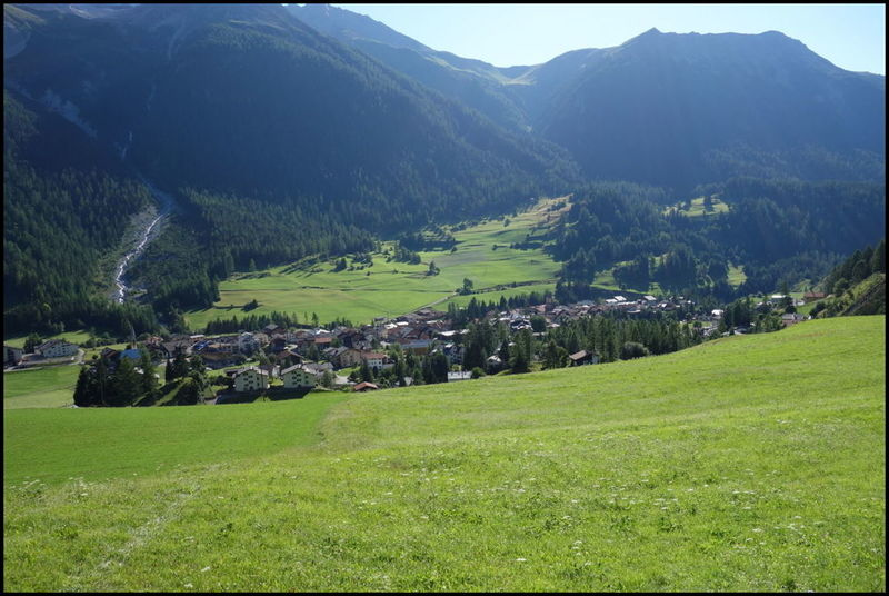 Arrivée à Bergün, premier ravitaillement après 130km